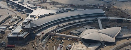 Aeroporto Internacional John F. Kennedy (JFK) is one of Locais salvos de Claudio.