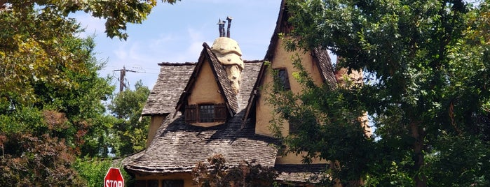 The Witch's House is one of ♡L.A.♡.