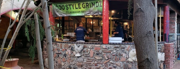 Lōco Style Grindz is one of Ryan's Liked Places.