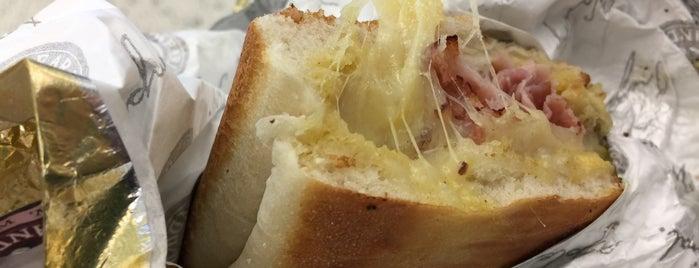 Earl of Sandwich is one of Tan lejos / Tab Cerca.