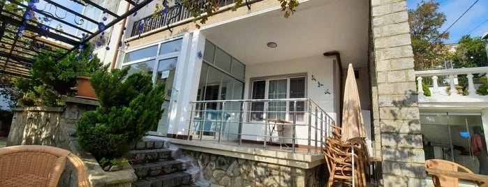 Villa Andrea is one of Mekan1.