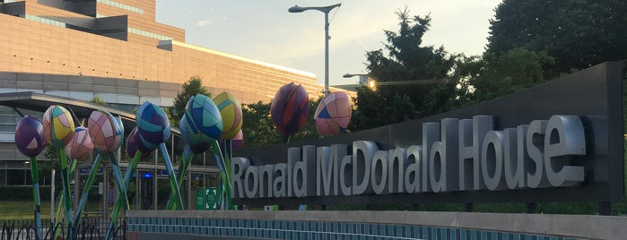 CCF RM Building (Ronald McDonald House of Cleveland) is one of Johnさんのお気に入りスポット.