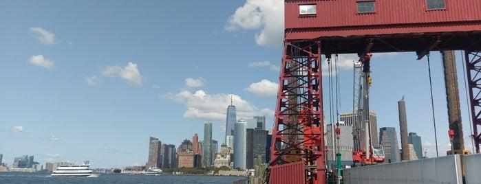 Governors Island - Pier 101 is one of Lugares favoritos de Amanda.