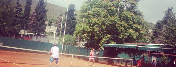 Burgazada Tenis Kortları is one of Hさんのお気に入りスポット.