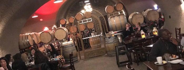 Oak Mountain Winery Caves is one of Michael 님이 좋아한 장소.
