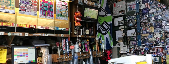 Triangle Pub is one of Seattle.