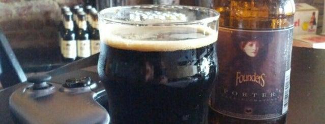 8bits Beers & Burgers is one of Lieux qui ont plu à Vinicius.