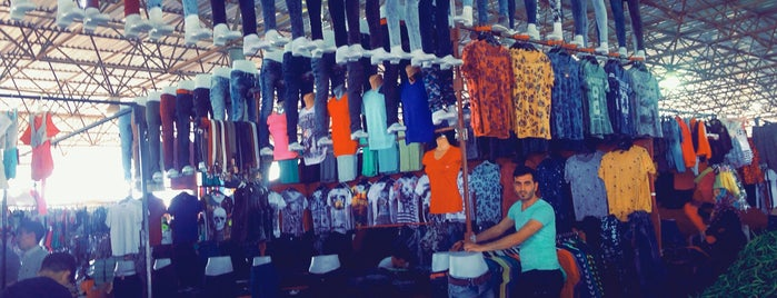Habibler kapalı  cumartesi pazarı is one of สถานที่ที่ Selman ถูกใจ.