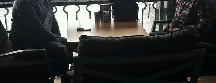 Buyrun Efendim Cafe is one of Posti che sono piaciuti a Talha.