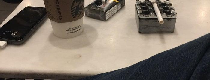 Starbucks is one of Orte, die renklimelodiblog gefallen.