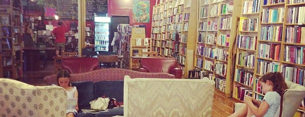 Inquiring Minds Bookstore and Coffee is one of Catskills.