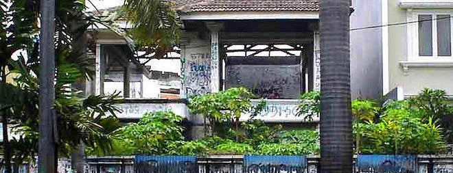 Rumah Pondok Indah is one of The most haunted places in Jakarta.
