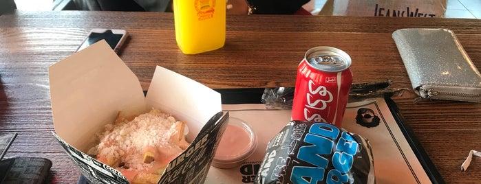 Burger Land | برگرلند is one of Lieux qui ont plu à Nora.