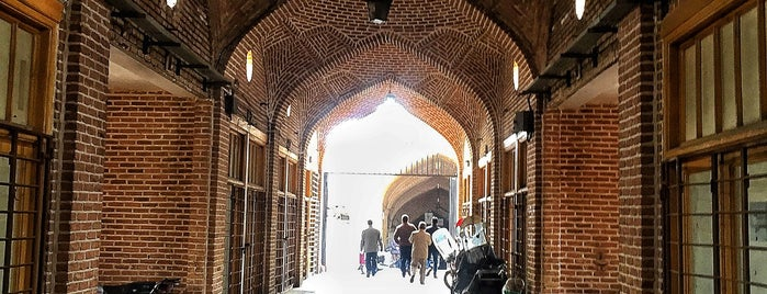 Tabriz Grand Bazaar | بازار بزرگ تبریز is one of Orte, die Adrian gefallen.