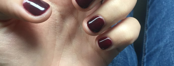 Pure nails & spa is one of Tempat yang Disimpan Jessica.
