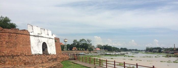 ป้อมเพชร (The Phet Fortress) is one of Trips / Thailand.