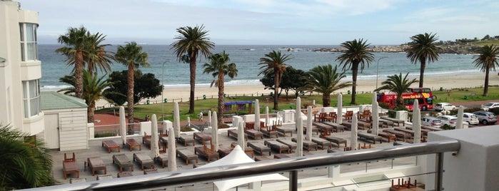 The Bay Hotel is one of สถานที่ที่ Sopitas ถูกใจ.