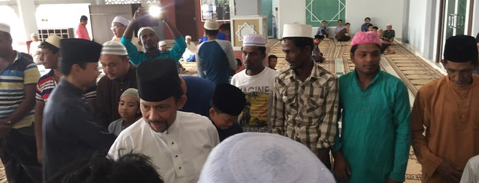 Masjid Suri Seri Begawan Raja Pengiran Anak Damit, Kampung Manggis / Madang. is one of Posti che sono piaciuti a S.