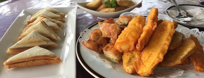 Tarindak D' Pantai Cafe is one of Orte, die S gefallen.