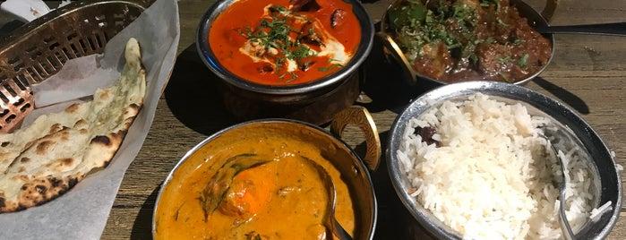 Blue Tandoori Restaurant & Grill is one of S'ın Beğendiği Mekanlar.