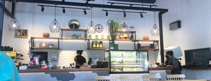 Ximply Chriz Cafe One Riverside is one of S 님이 좋아한 장소.