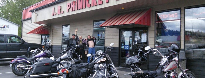 JR Phinikeys is one of สถานที่ที่ ESTHER ถูกใจ.