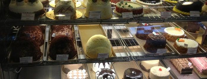 LA Bonbonniere Bake Shoppe is one of NJ.