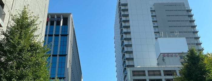 Nishikidori-Hommachi Intersection is one of 都市間高速バス多治見線.