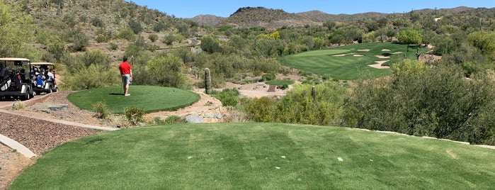 Quintero Golf Club is one of Places to try.