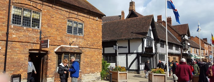 The Shakespeare Gift Shop is one of Europa 2014.