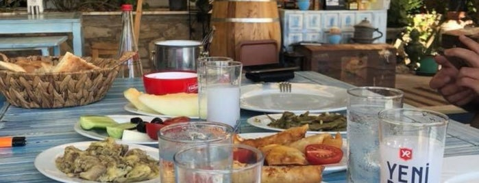 İhtiyar Balıkçı Restaurant is one of Lieux sauvegardés par Enise.