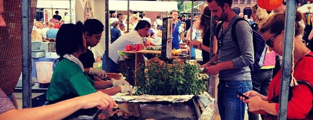 NeighbourFood Market is one of Locais curtidos por Can.