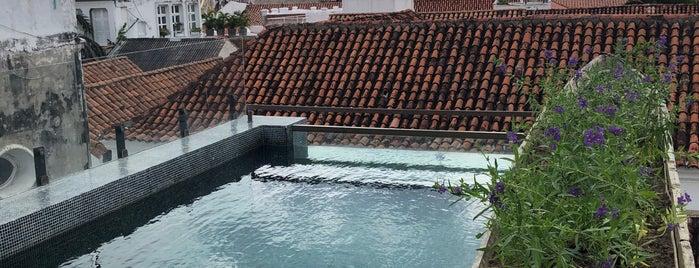 Hotel Casa del Coliseo is one of Posti che sono piaciuti a Emily.