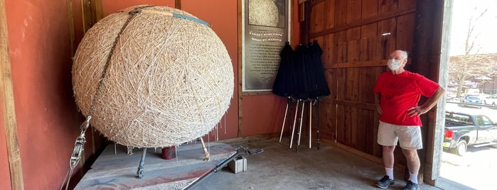 World's Largest Ball of String is one of Quirky Landmarks USA.