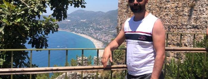 Ehmedek Kalesi is one of Antalyada gezmelik, görmelik, yüzmelik.