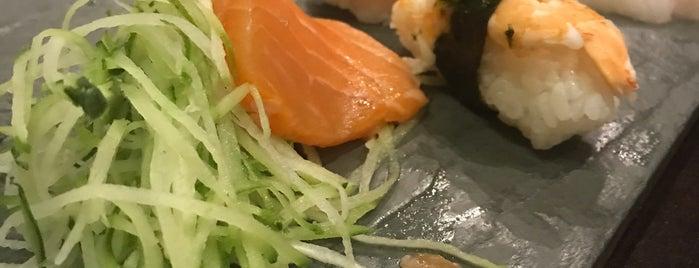 Nazo Sushi Bar is one of Orte, die Joao Ricardo gefallen.