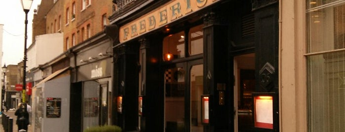 Frederick's Bar & Restaurant is one of Locais curtidos por Luc.