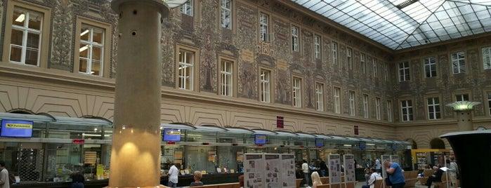 Česká pošta is one of Praha <3.