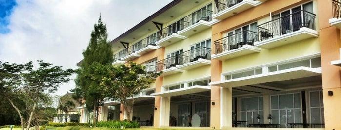 Taal Vista Hotel is one of Angelika'nın Beğendiği Mekanlar.