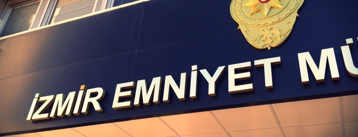 İzmir Emniyet Müdürlüğü is one of สถานที่ที่ Sina ถูกใจ.