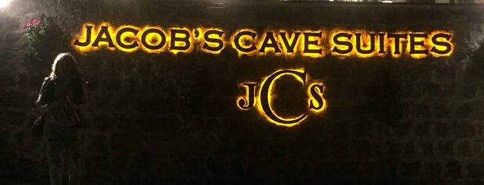 jacob's cave suites is one of Posti che sono piaciuti a HaliI.