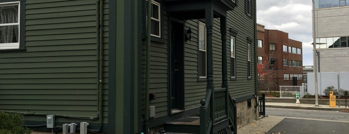 Lizzie Borden's Bed & Breakfast / Museum is one of Tempat yang Disimpan Chris.