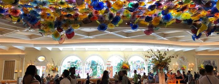 Bellagio Hotel & Casino is one of Lieux qui ont plu à Cindy.
