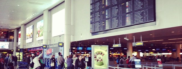 Brussels Airport (BRU) is one of Tempat yang Disukai Rodolfo.