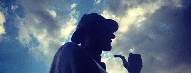 Sherlock Holmes Statue is one of London Map.