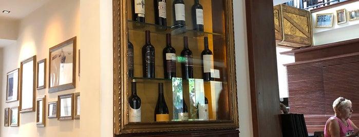 La Lucía Grill & Bar is one of Mendoza.