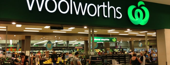Woolworths is one of Tempat yang Disukai Nate.