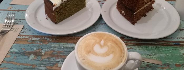 Spice Café is one of Lieux qui ont plu à Susana.