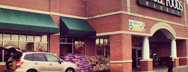 Whole Foods Market is one of สถานที่ที่ Rebecca ถูกใจ.