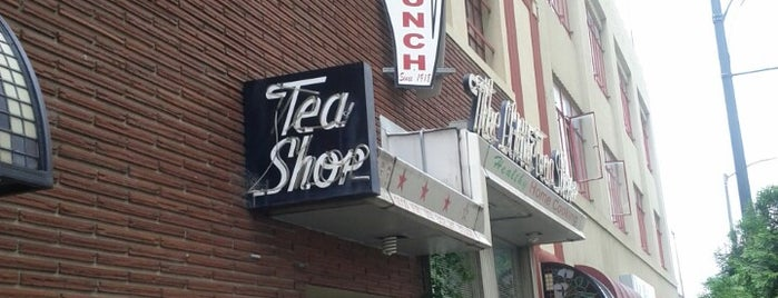 The Little Tea Shop is one of Lugares guardados de Molly.